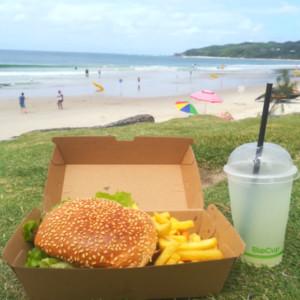 バイロンベイのメインビーチでテイクアウトならBayGerのハンバーガー!
