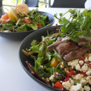 バイロンベイで美味しいオーガニックフードが食べれるカフェ【The Pass Cafe】